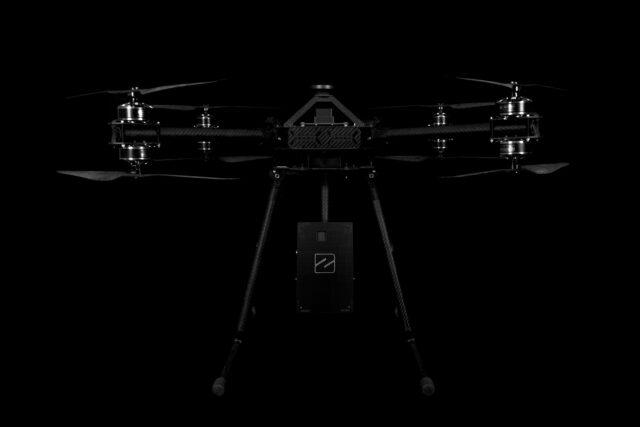 https://www.dronezone.ro/wp-content/uploads/2020/11/drona_cu_lidar_alb_negru-640x427.jpg